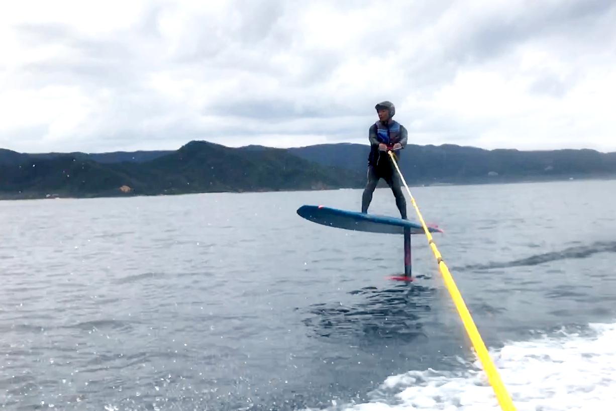 【奄美大島・ハイドロフォイル】新感覚!!水上を飛ぶような新感覚のマリンアクティビティが登場!