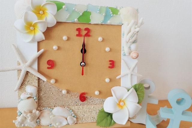 【沖縄・嘉手納・マリンクラフト】貝殻・シーグラスをたっぷり使用!オリジナル時計作り
