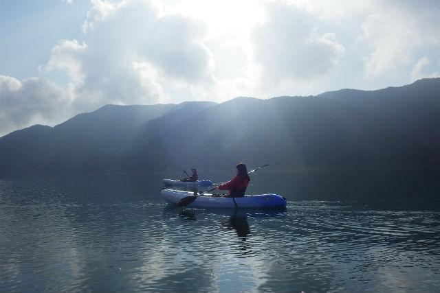 【山梨・西湖・カヤック】清々しい朝をむかえよう!モーニングカヤック(7:00開催)