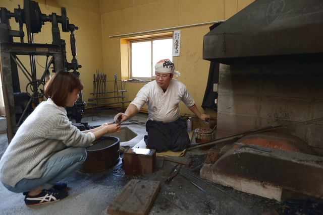 日本刀と同じ素材「玉鋼」を使用!京都で唯一の本格刀剣作り