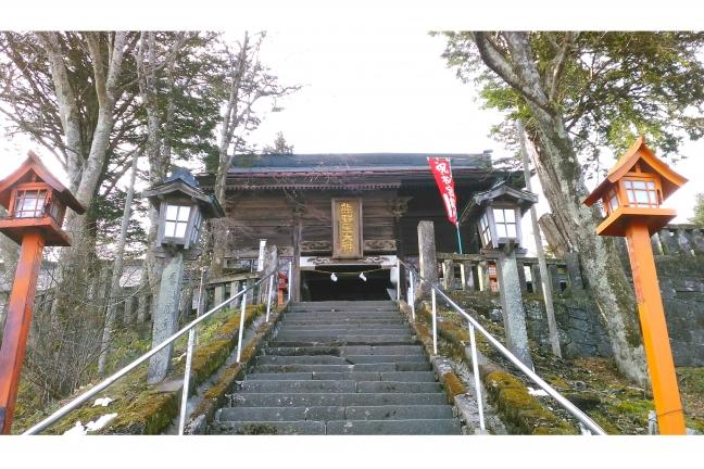 旧軽井沢観光会館前