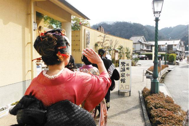 【岡山・着物レンタル】プロの着付けで安心。着物で出雲街道散策体験