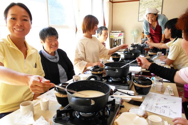 【岡山・料理体験】なつかしい家庭の味。ざる豆腐作り(ランチ付)