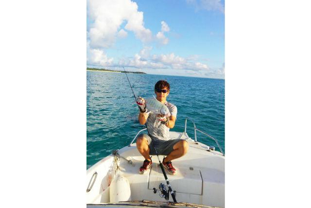 【鹿児島・与論島・釣り(初心者)体験】家族で楽しめる!手ぶらで船釣り体験(エサ釣り&ルアー釣り)