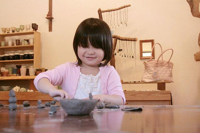 【福岡・陶芸・手びねり】自由な作風が最大の魅力!手びねりの陶芸作品づくり