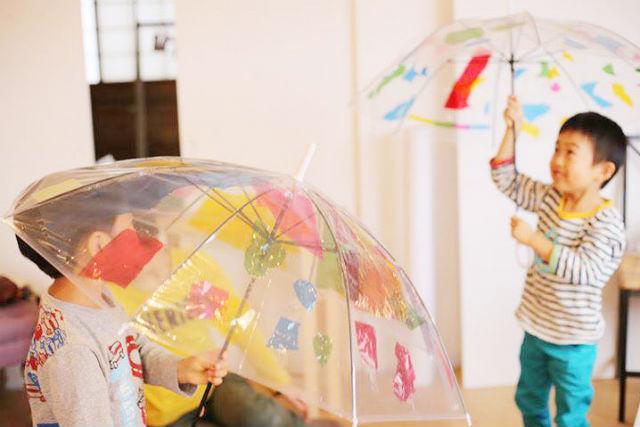 【愛媛・松山・絵画教室】傘にお絵かき!オリジナルアンブレラ作り