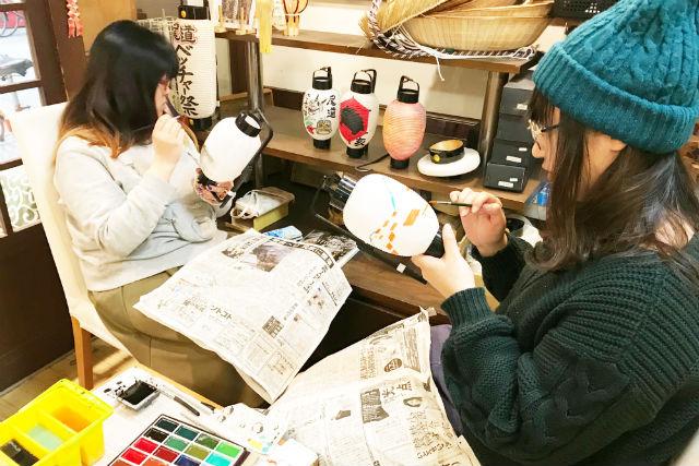 【広島・尾道・伝統工芸・絵付け】創業100年以上の提灯屋で本格的な提灯絵付け体験をしよう