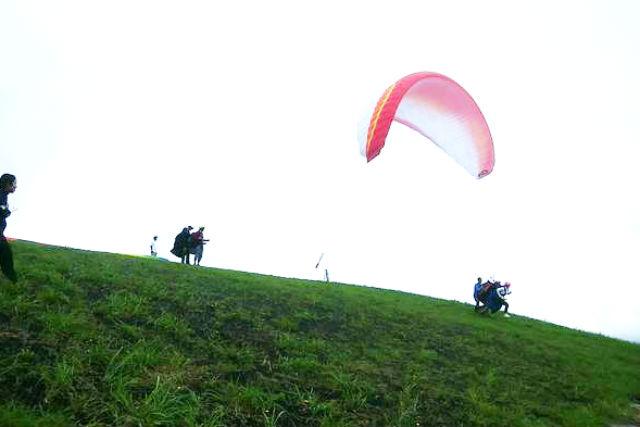 【新潟・上越・パラグライダー】日本海の雄大な自然を望む!ベテランパイロットと飛ぶタンデムフライト