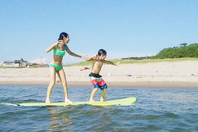 【秋田・サーフィン】日本海のキレイな海に感動!サーフィン体験