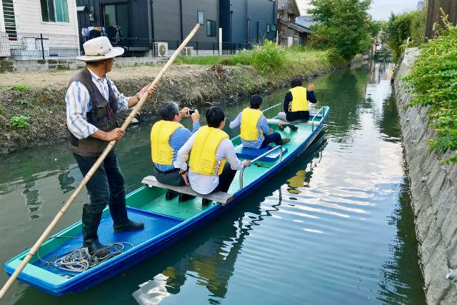 【佐賀・遊覧船】旧久富家裏船着場出発!和舟(久冨家)に乗ってクリークを優雅に運航しよう!