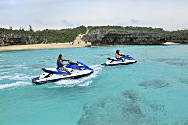 【宮古島・水上バイク】マリンジェットで上陸!幻の島へプライベートツーリング