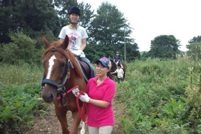 【青森・下北半島・むつ・金谷沢・乗馬体験】ファミリー引馬!ふれあい乗馬体験(約10分)
