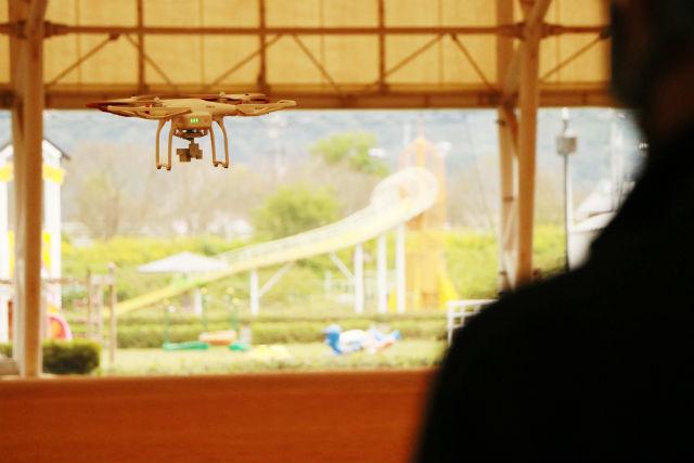 【岡山・ドローン】国内最大級のドローン育成ドームで練習!ドローン操縦体験