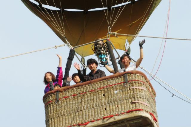 【兵庫・豊岡・熱気球】山頂から空へ!熱気球体験