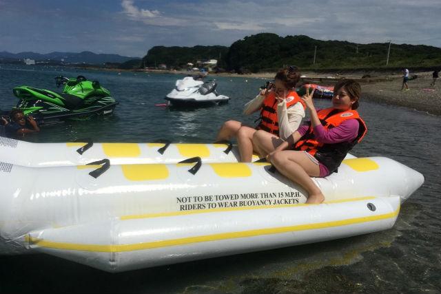 【和歌山・南紀白浜・バナナボート】3〜12人乗りバナナボート(15分)