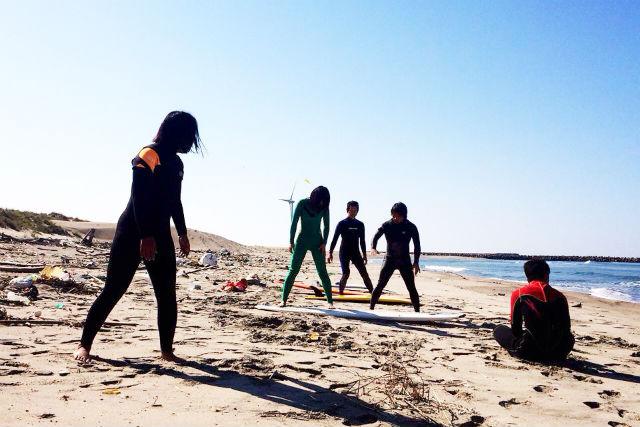 【秋田・サーフィン体験】GO!SURF!!ベテランサーファーがサポート!体験コース
