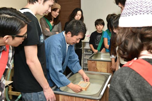 【大阪・東大阪・紙すき】伝統文化を学ぶ!はがき(4枚)またはタペストリー(1枚)