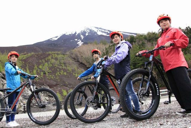 【山梨・ダウンヒル】雨天も楽しめる!富士の神秘に触れる全12㎞初中級向けコース。富士山麓フィトンチッド・サイクリングツアー