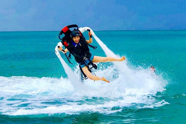 【石垣島初上陸・ジェットパック 】ボートで行く!安定性の高いジェットアクティビティで遊ぼう
