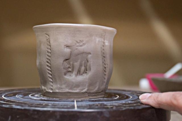 【奈良県・奈良市・手びねり】手回しろくろを使って作る!カップやぐい呑みなど2個