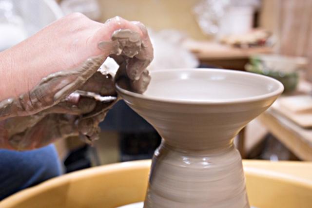 【奈良県・奈良市・電動ろくろ】本格的な陶芸に挑戦!湯のみ・お茶碗・お皿など2個