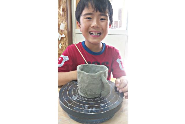 【岩手・一関・手びねり】3歳〜参加OK!親子で楽しめる陶芸体験。茶碗など(1個)