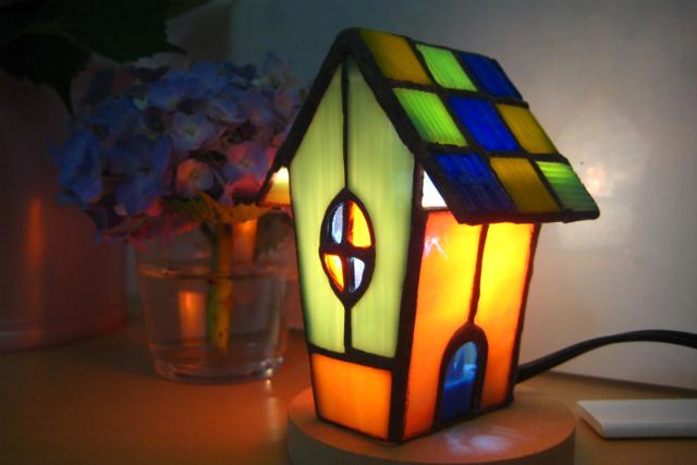 【島根・松江・ステンドグラス教室】優しい灯のランプやキャンドルホルダー作り