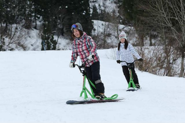 【新潟・十日町・スノーバイク】雪山のゲレンデを駆け抜けよう!スノーバイク体験(ガイド付き)