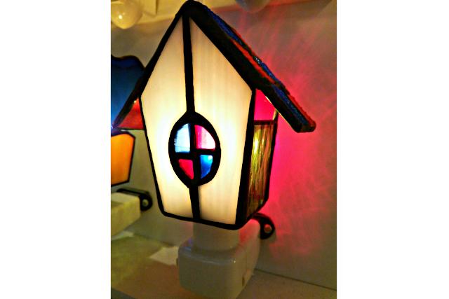 【鳥取・ステンドグラス】優しい灯のランプまたはキャンドルホルダー(1個)