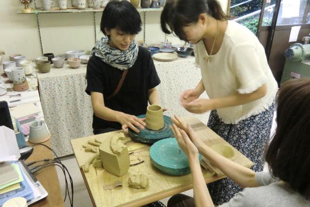 【山梨・富士河口湖・手びねり】小さなお子様も体験OK!手びねり陶芸体験(2個)