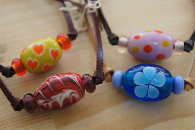 【岡山・真庭・とんぼ玉体験】自分好みの色材を選んでオリジナルとんぼ玉作り(1個)