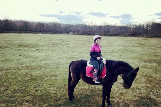 【北海道・白老郡・乗馬体験】雄大な景色を馬の背に乗って楽しもう!乗馬体験30分