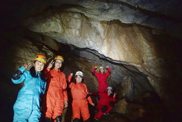 【奈良・吉野・ケイビング】大人も子どもも楽しめる!ランチ付き本格洞窟探検ツアー