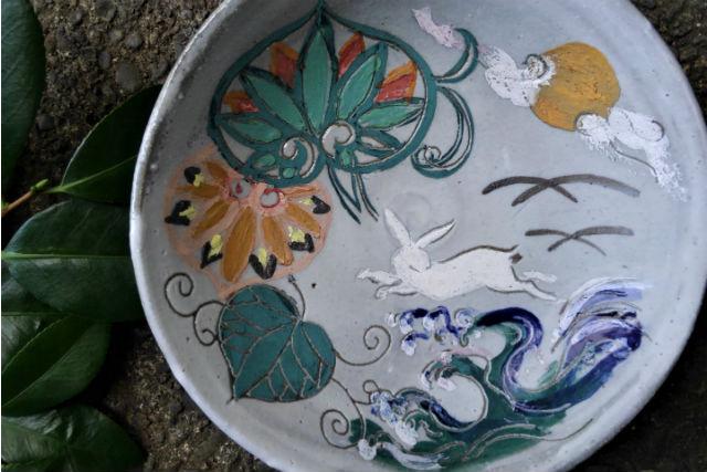 【東京・町田・絵付け】日本画家が教える和のインテリアに合う皿の絵付け体験(1個)