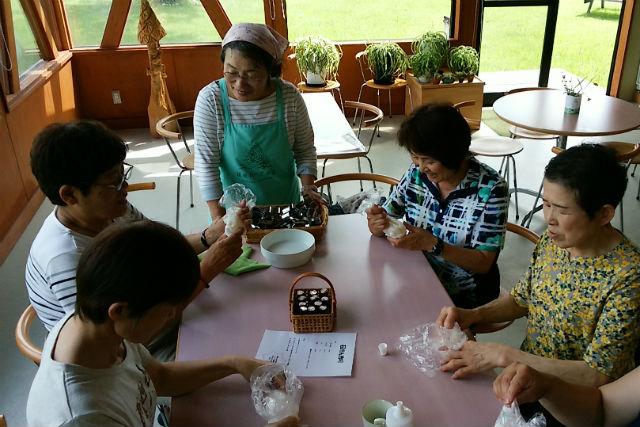【新潟・魚沼・手作り石鹸】好きな香りと色を自分でチョイス!オリジナル石けん作り