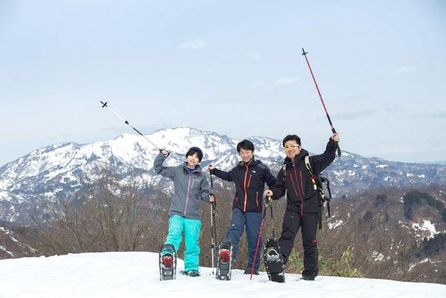 【新潟・十日町・スノーシュー】山の動物たちの足跡を観察!スノーシュートレッキング