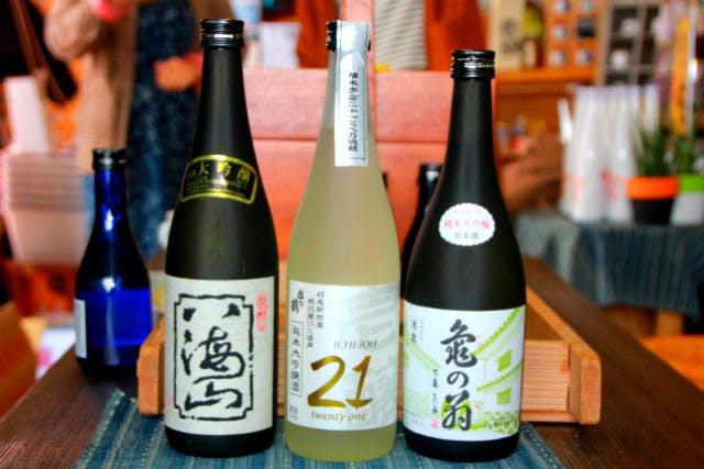 【新潟・柏崎・利き酒】利き酒師の酒談義(+絶景付)で日本酒通になろうプラン
