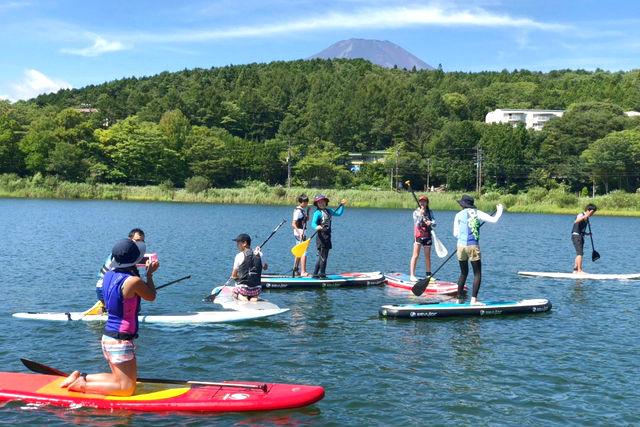 【山梨・山中湖・SUP】お手軽な水遊び!簡単に楽しめる人気のSUP体験