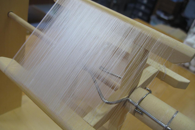 【新潟・村上・伝統工芸】糸の細さにビックリ!ころんとかわいい繭玉から糸をつむごう