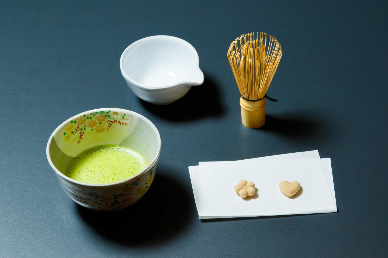 【京都市・茶道】お座敷でゆったり抹茶を味わう。お点前体験