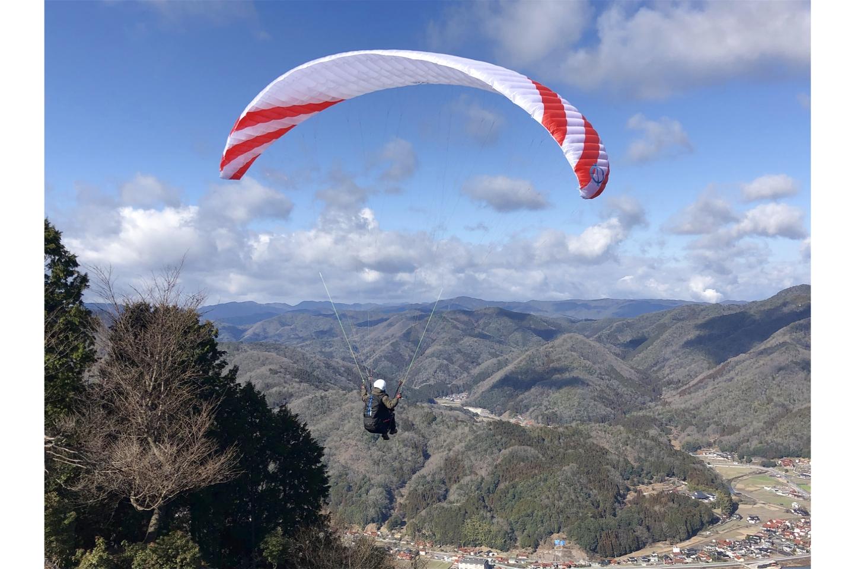【広島県・広島市・パラグライダー】標高400mの山からいざ滑空!タンデムフライト