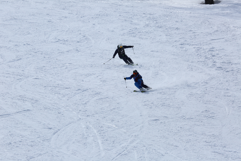 【長野・野沢温泉・スキースクール】仲間と楽しくレベルアップ!プライベートレッスン