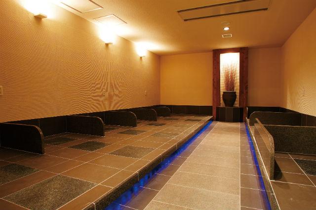 【最大446円割引】THE SPA 西新井 クーポン(入館料+岩盤浴セット+タオル&館内着セット)