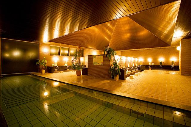 【200円割引】キャメルホテルリゾート クーポン(ランチ+入浴料+タオルセット+ミネラルウォーター)