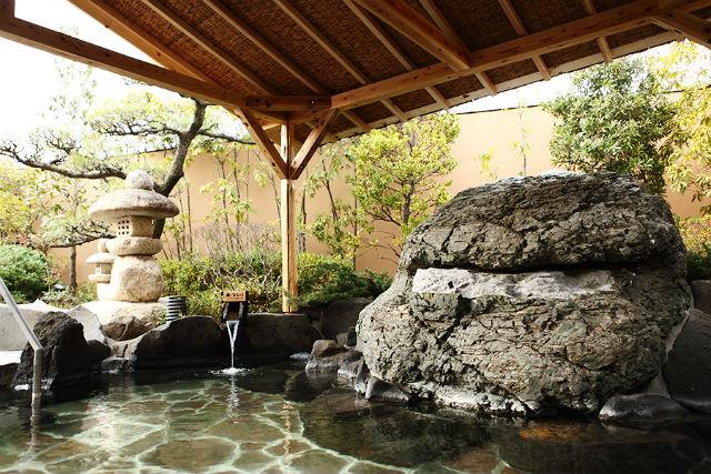 【130円割引】天然温泉かきつばた クーポン(入館料+岩盤浴+レンタルタオルセット)