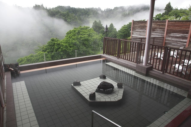 【最大20%割引】ナステビュウ湯の山 クーポン(入館+タオルレンタル)