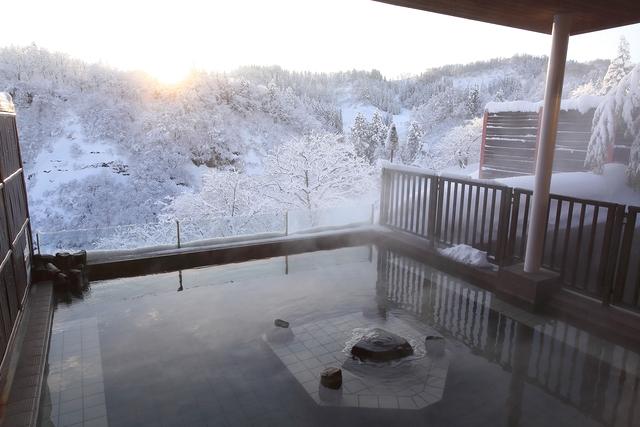 【最大16%割引】ナステビュウ湯の山 クーポン(入館+タオルレンタル+お食事)