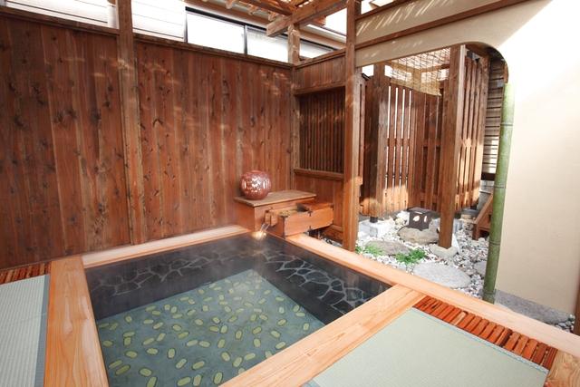 【最大50%割引】旬彩の庄 坂戸城 クーポン(入浴+レンタルタオルセット)