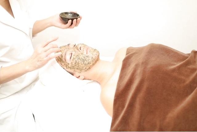 【64%割引】フェイシャル/陶肌マッサージ+(酵素パウダーorシルクパウダー)60分※女性・1人1枚