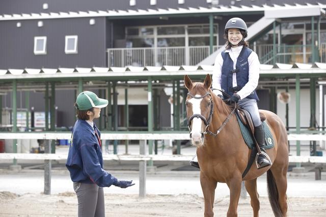 ワオチケ!【38%割引】海岸公園馬術場_乗馬体験2回(初回から1ヶ月)※1人1枚・要予約